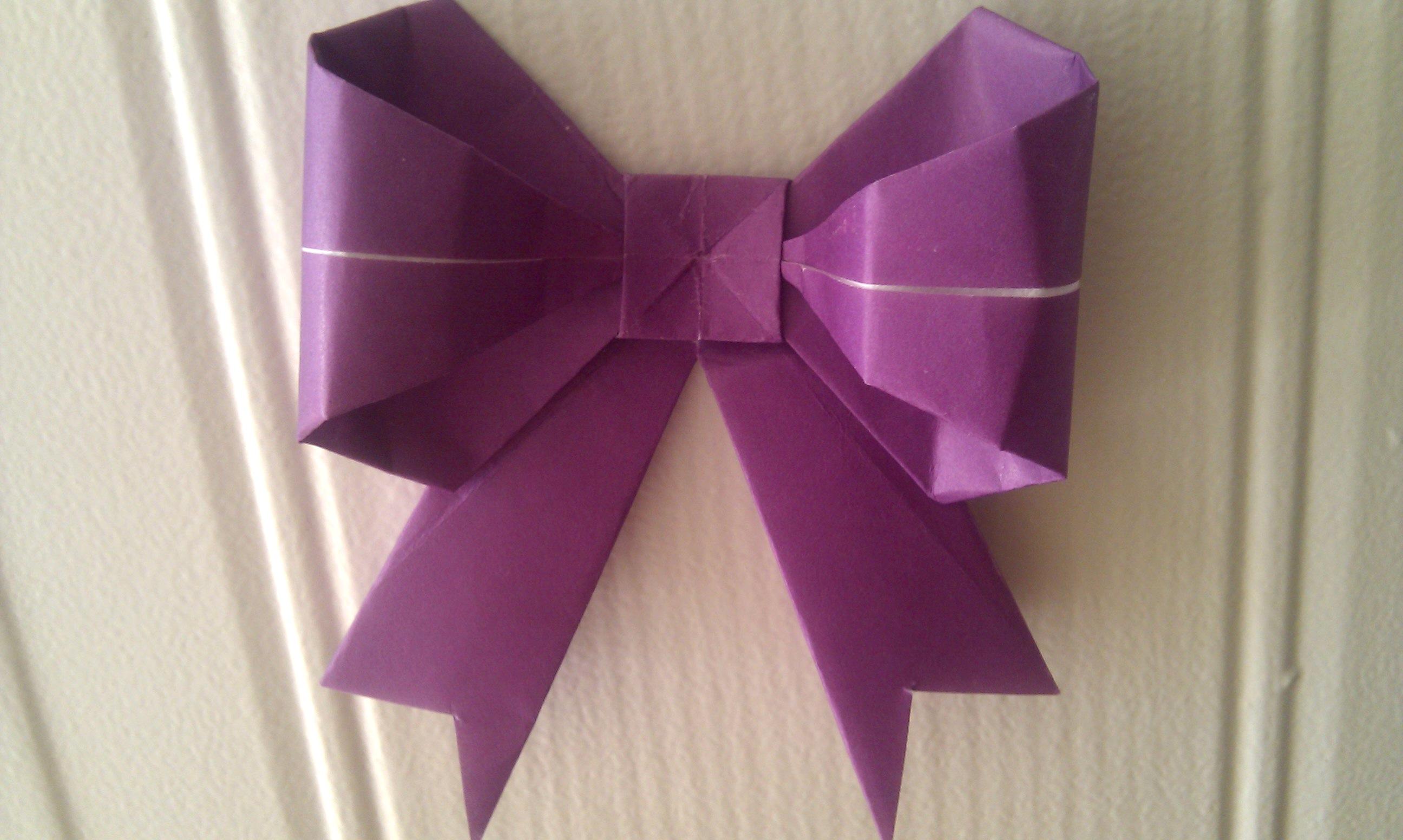 origami diagram of bow.