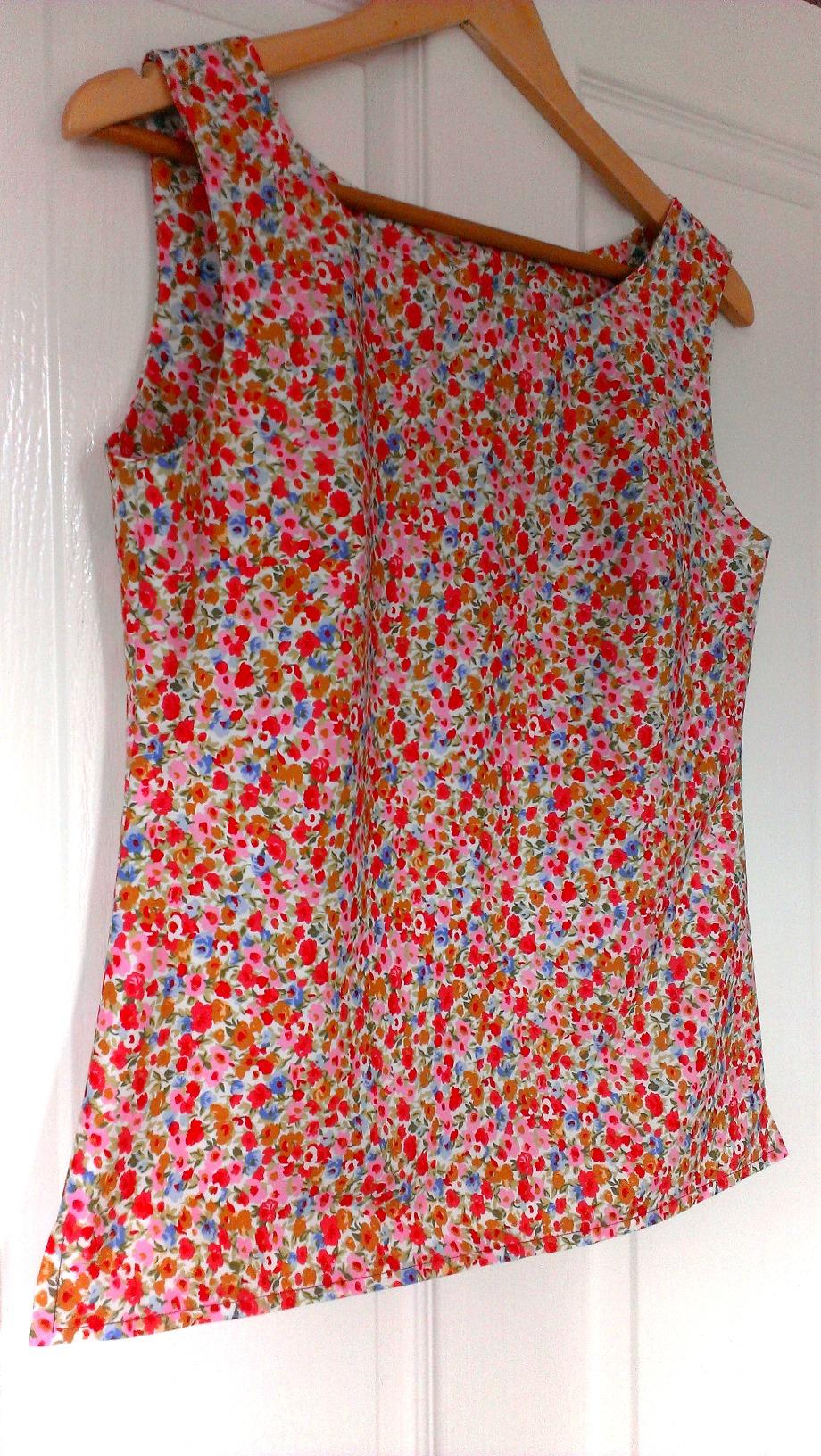 New look 6483 sleeveless top gbsb2 inspired sew sensational new look 6483 sleeveless top jeuxipadfo Gallery