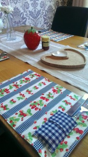 strawberry country kitchen table mats