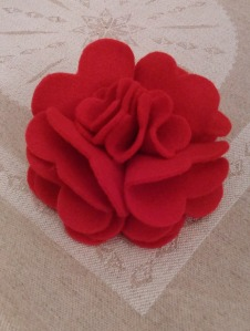 felt rose brooch